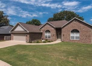 306 Meadows  CT  Pea Ridge, Arkansas