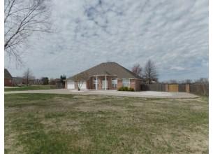 302 Ravenwood  RD  Siloam Springs, Arkansas
