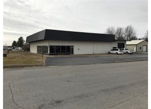 2212  S 8th  ST  Rogers, Arkansas