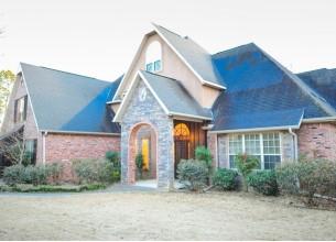 403 W. Lakeview  DR  Springdale, Arkansas
